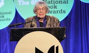 Ursula Le Guin riceve il National Book Award