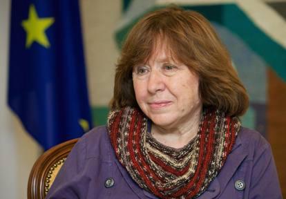 Svetlana Aleksievic, Raccogliere le memorie briciola dopo briciola