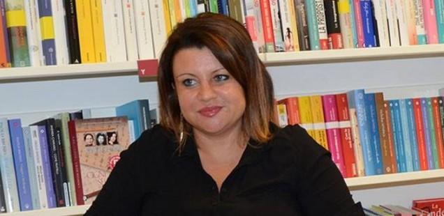 Marilù Oliva recensisce per l'Huffington Post Non ci salveranno i melograni